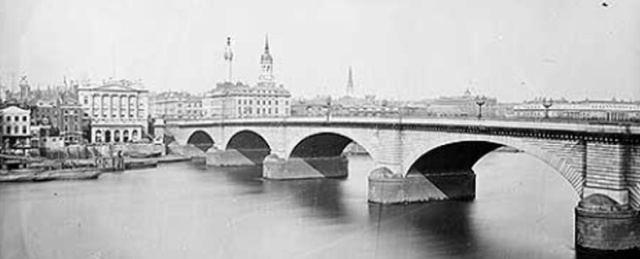 London_Bridge_circa_1870